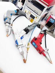 Prix bon marché 1000W CNC matériel de soudage au laser 1500W 2000W Spot machine à souder laser à tête oscillante portable pour machine à souder avec mode automatique Système d'alimentation en fil