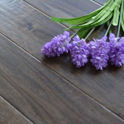 La main rayé Acacia Engineered Wood Flooring