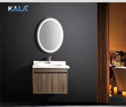 El roble rojo estadounidense vanidad la parte superior cuarto de baño con espejo oval
