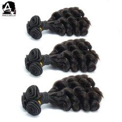 Angelbella natürliches schwarzes Haar, das loses Funmi Remy Menschenhaar für Gril wellenartig bewegt