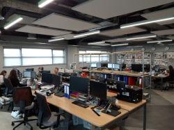 광고 방송과 소매 응용을%s 현대 지속적인 점화 LED 거는 정착물 LED 선형 중단된 가벼운 반대로 글레어 버전 선형 빛
