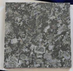 Preiswerter Großhandelsmindestpreis deckt Eis-grünen Granit mit Ziegeln