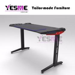 Yesme RGB/LEDカーボン卓上コンピュータのオフィスの容易な机2020最も新しいデザイン黒カーボンファイバーの一見を用いる永続的なセットアップ賭博の机