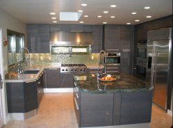 Cocina al por mayor de las puertas del armario de MDF de unidades nuevas cocinas populares