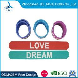 Venda a quente pulseiras banda de borracha de silicone Segmento Debossed RFID Moda Repelente Smart Bracelete Desporto USB Silício Logotipo de impressão da China (56)