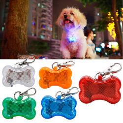 كلب بلاستيك رقم قلادة مصباح LED بندول مضيئة مستلزمات الحيوانات الأليفة