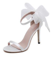 Le signore sveglie di cuoio poco costose 2020 di nuovo modo della Cina rimuovono i sandali del nodo dell'arco