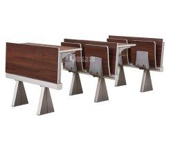 Schule-allgemeiner Klassenzimmer-Kursteilnehmer-Vorlesungssal-Hochschulschreibtisch und -stuhl