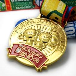 Preiswerter Metallfertigkeit-Großhandelsentwurf des Zoll-3D Ihre eigene unbelegtes Zink-Legierungs-Goldmetallmarathon-laufende Andenken-Preis-Sport-Medaille für Förderung-Geschenk