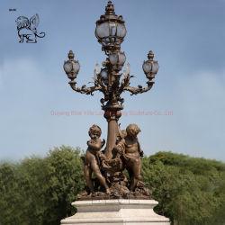 Alberino famoso decorativo della lampada del ghisa della statua dei bambini del palo chiaro del ponticello di Parigi Alexandre III della via