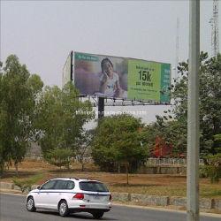 La città Unipole di pubblicità esterna ha supportato la visualizzazione del tabellone per le affissioni di Tri-Visione (F3V-131)
