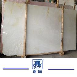 Onyx di pietra Polished naturale bianco per il progetto dell'albergo di lusso della decorazione della parete interna della parete della decorazione del controsoffitto della Tabella delle mattonelle di pavimento della priorità bassa