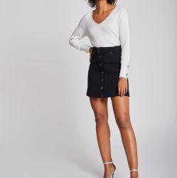 Sprung und lange Hülse der Herbst-Damen mit Taste auf Stulpe V-Stutzen grundlegender weißer Pullover-Strickjacke
