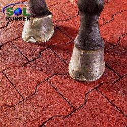 Le tapis en caoutchouc de passerelles de sécurité Horse Barn-de-chaussée de l'os de chien le tapis en caoutchouc