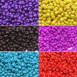 Déposer les perles de verre de couleur de teinture de style
