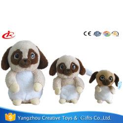 Mignon chien permanent des jouets en peluche