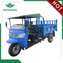 Camion cinese della rotella del diesel tre di Waw con i dispositivi di protezione in caso di capovolgimento & il parasole