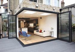 Portelli Bifold completamente lustrati su ordinazione del patio d'angolo esterno dell'alluminio con i ciechi