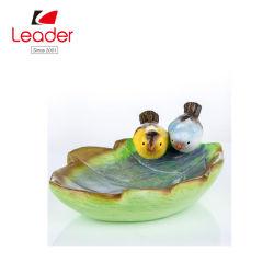 Novo pintado à mão as aves em cerâmica com Design foliar Birdbath para decoração de jardim