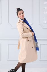 Heiße Verkaufs-Form-Frauen, die doppelten Breasted Riemen-Medium-Mantel kleiden