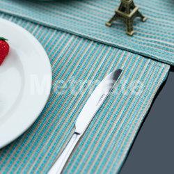 جميلة زرقاء لون [بّ] سرير حمام وإلى ما بعد طاولة [بلسمتس]