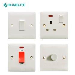 Unidad de Consumo eléctrico en el Reino Unido toma eléctrica de la baquelita Toma del interruptor de pared