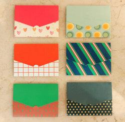 Do presente colorido da impressão de Smal envelopes de empacotamento