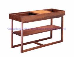 Tabella di sezione comandi con il legno americano della noce
