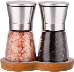 Стекло соль и перец бутылки стеклянные баночки специй с деревянной стойки и нержавеющей стали шлифовального станка