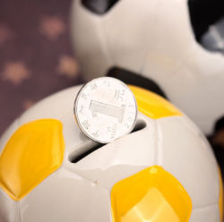 Les fans de football Ball Shape tirelire de l'argent Box Sports charme ballon de soccer de la céramique