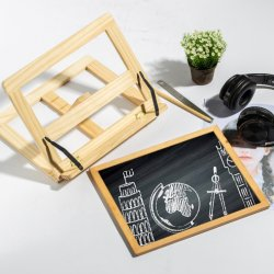 La planche à dessin en bois sur le bureau peut être utilisé pour les enfants de la peinture