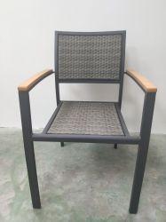 Patio-Garten-Aluminiumfreizeit-Rattan mit hölzerner Arm-Plastikstuhl-modernen Möbeln