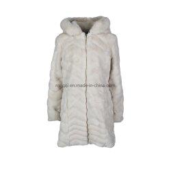 女性擬似毛皮の長いフードのコート