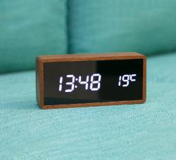 Sveglia di legno promozionale dello scrittorio LED di rettangolo di Digitahi