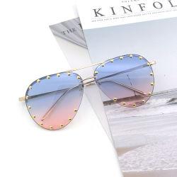 Fabricado en China proveedor mayorista chino coloridas Gafas Anteojos de metal para PC de gafas de sol mujer parte de la moda de la lectura de los ojos de la seguridad de Sun Kids Deportes gafas de óptica