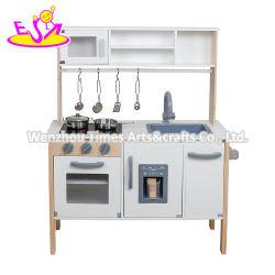 아이스메이커인 일렉트릭 토이 키친(Electric Toy Kitchen)을 아이스메이커인 W10c552