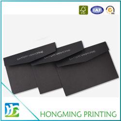 Custom оптовой тиснение логотипа черный картонный конверт