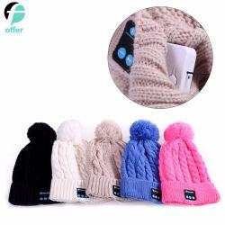 Cappello caldo di musica di inverno lavorato a maglia Beanie senza fili unisex con costruito nell'altoparlante stereo della cuffia per i regali di natale