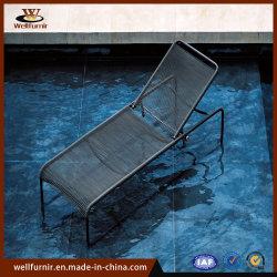 屋外アルミニウム余暇浜のプールのホテルの折る寝台兼用の長椅子