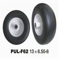 Tondeuse à gazon de mousse de PU noir le pneu