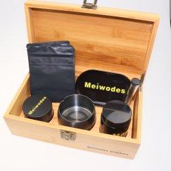 Um visor de caixa de armazenamento combinação, com titânio 4 parte de esmeril de ervas e tubo de cigarro, saco de madeira com bloqueio, jarra de armazenamento de vidro UV e bandeja de madeira maciça, Bambo