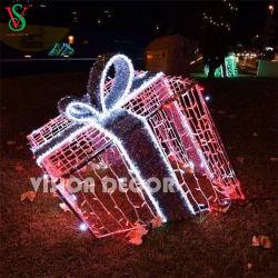 Grande Luce Esterna Su Motivo Decorativo Della Scatola Regalo Di Natale