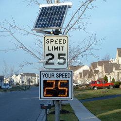 Europäerartige verdrängte Aluminiumradar-Höchstgeschwindigkeit-reflektierende Verkehrs-Verkehrsschilder des wARNING-LED