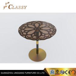 Vintage de metal mesa lateral redonda en la Base de oro y cristal de la parte superior para el Hotel