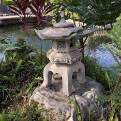 Japanischer Typ Stein-Pagode-orientalischer Garten-japanische Laterne
