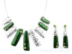 Moda Colar brincos listrado acrílico verde 316L conjunto de jóias de aço titânio
