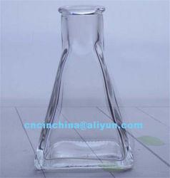 先を細くすることの整形香りのガラスビン100mlの装飾