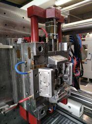 Espuma Química automotivo Ferramenta de injeção de plástico com bicos de Válvula Synventive