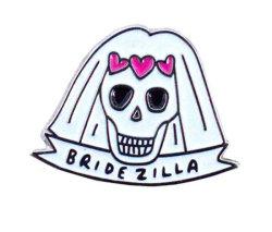 Custom мягкой эмалью розового цвета сердце череп металлические значки заводская цена эмблемы
