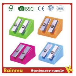Eenvoudige Plastic Scherper met Kern voor het Bureau van de School en het Gebruik van Bevorderingen